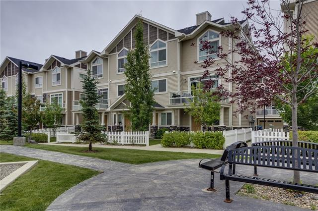 100 SKYVIEW RANCH GD NE, 2 bed, 3 bath, at $259,500