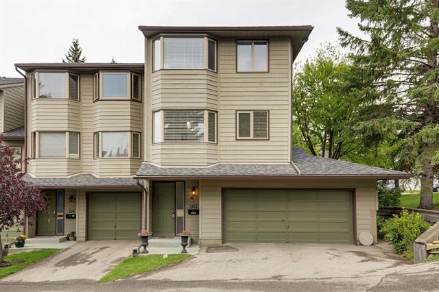 102 GLAMIS TC SW, 3 bed, 3 bath, at $369,900