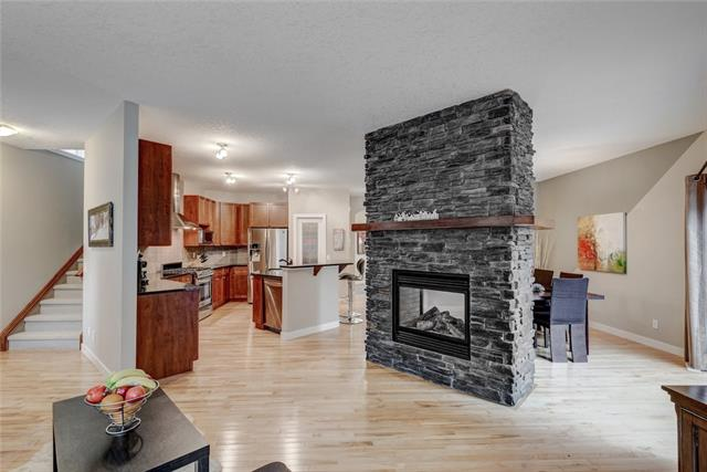 90 EVANSPARK TC NW, 3 bed, 3 bath, at $574,999