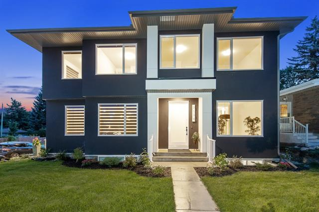 3139 41 ST SW, 3 bed, 3 bath, at $728,000