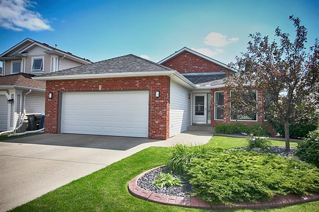 218 SCEPTRE CL NW, 2 bed, 3 bath, at $729,900