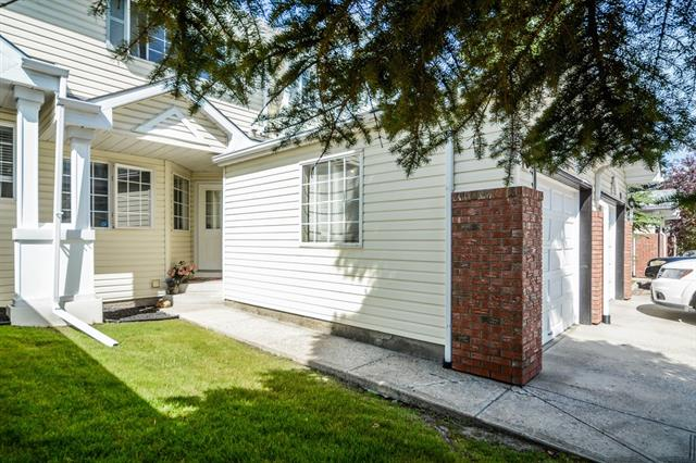 23 LINCOLN GR SW, 3 bed, 3 bath, at $329,900