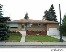 428 HAWTHORN DR NW, 3 bed, 1 bath, at $358,888