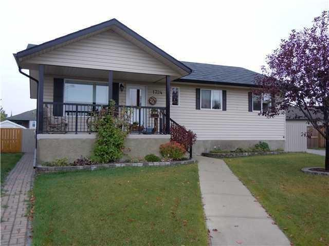 1724 4 AV , 3 bed, 2 bath, at $284,900