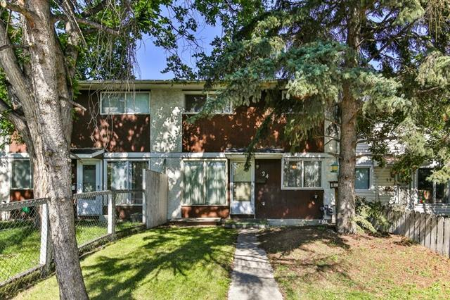 24 DOVERCLIFFE WY SE, 3 bed, 1 bath, at $150,000