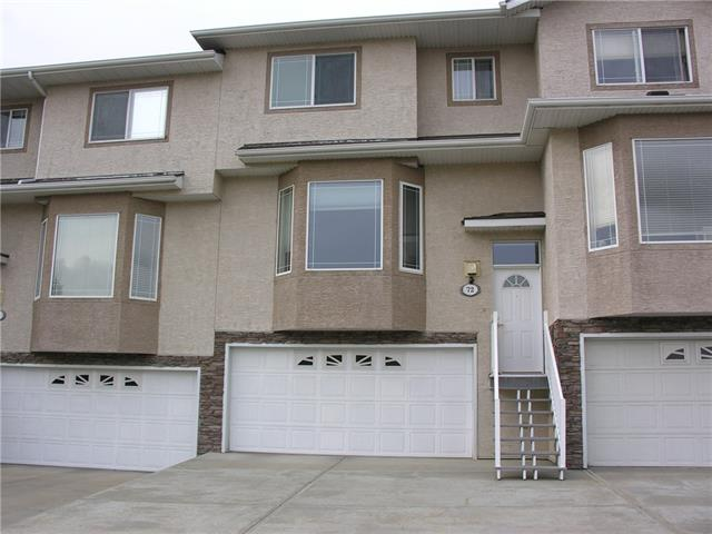 72 COUNTRY HILLS GD NW, 2 bed, 4 bath, at $299,900