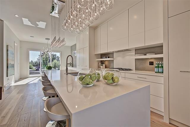 4130 17 ST SW, 4 bed, 5 bath, at $999,500