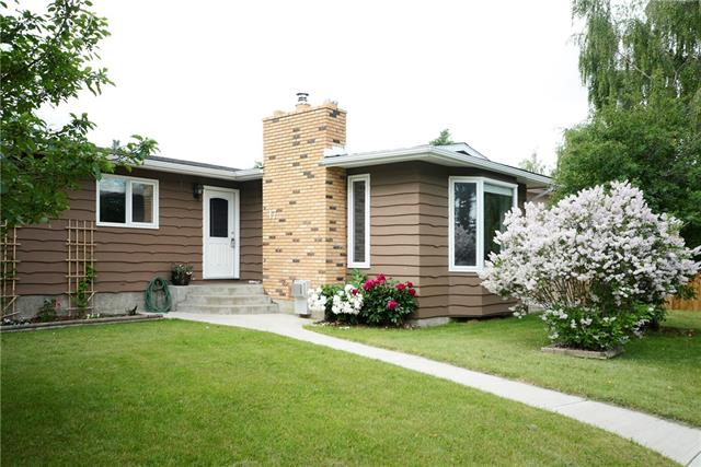 17 PEKISKO RD SW, 3 bed, 3 bath, at $359,900