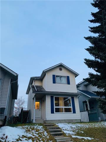 70 DOVERCLIFFE WY SE, 3 bed, 2 bath, at $280,000