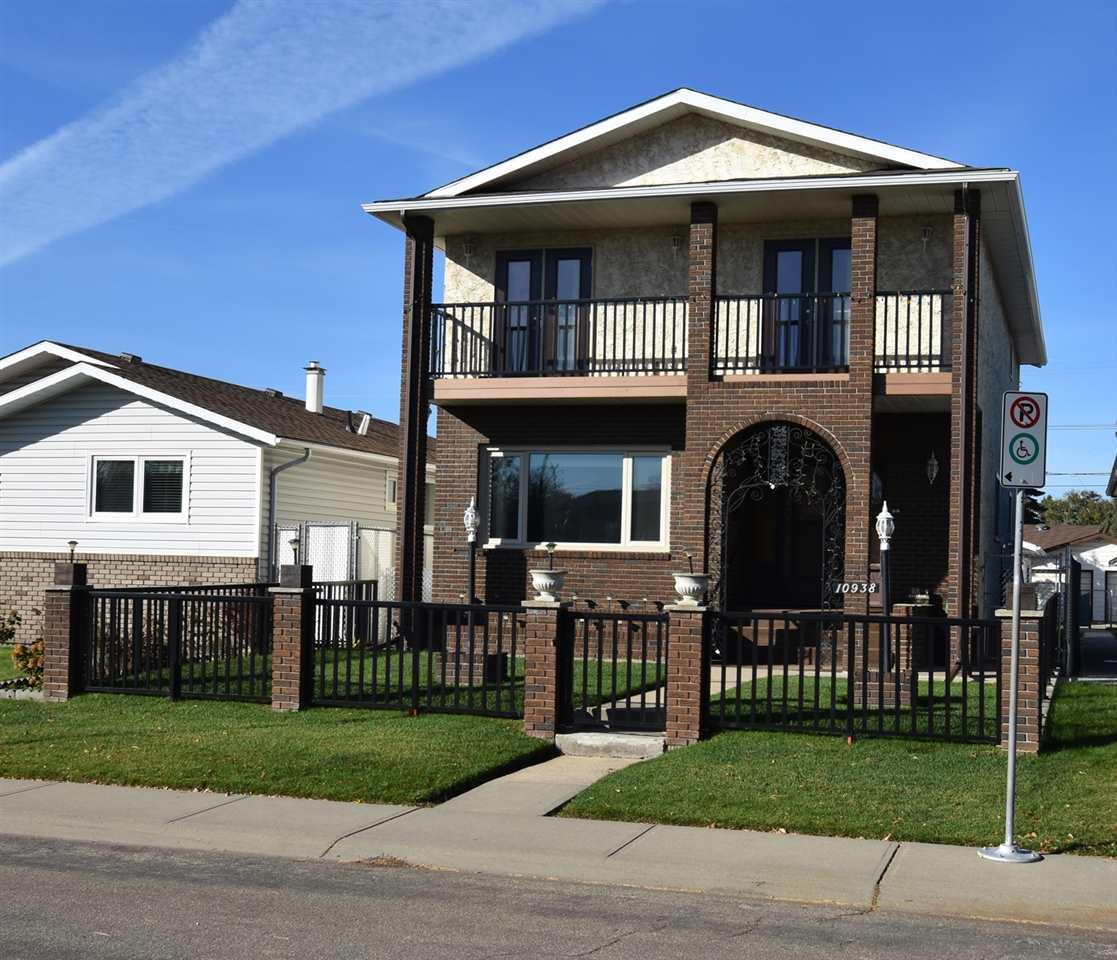 10938 151 Street, 5 bed, 4 bath, at $469,900