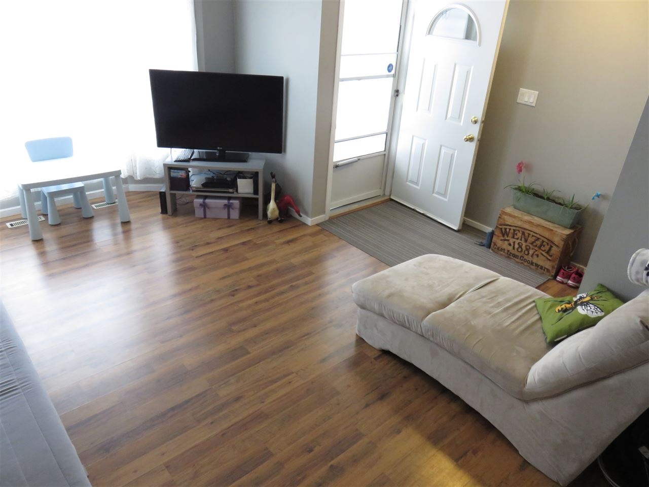 17116 103 Street, 3 bed, 1.1 bath, at $194,900