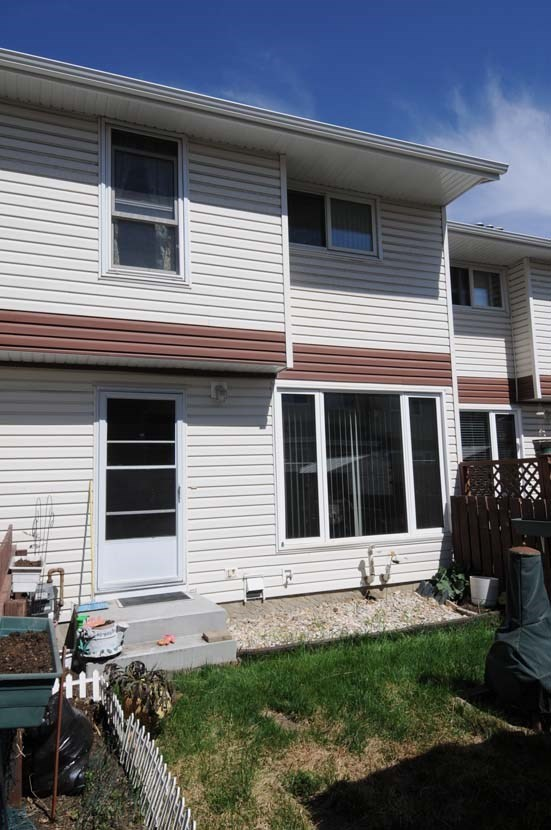 420 CLAREVIEW Road, 3 bed, 2 bath, at $176,500