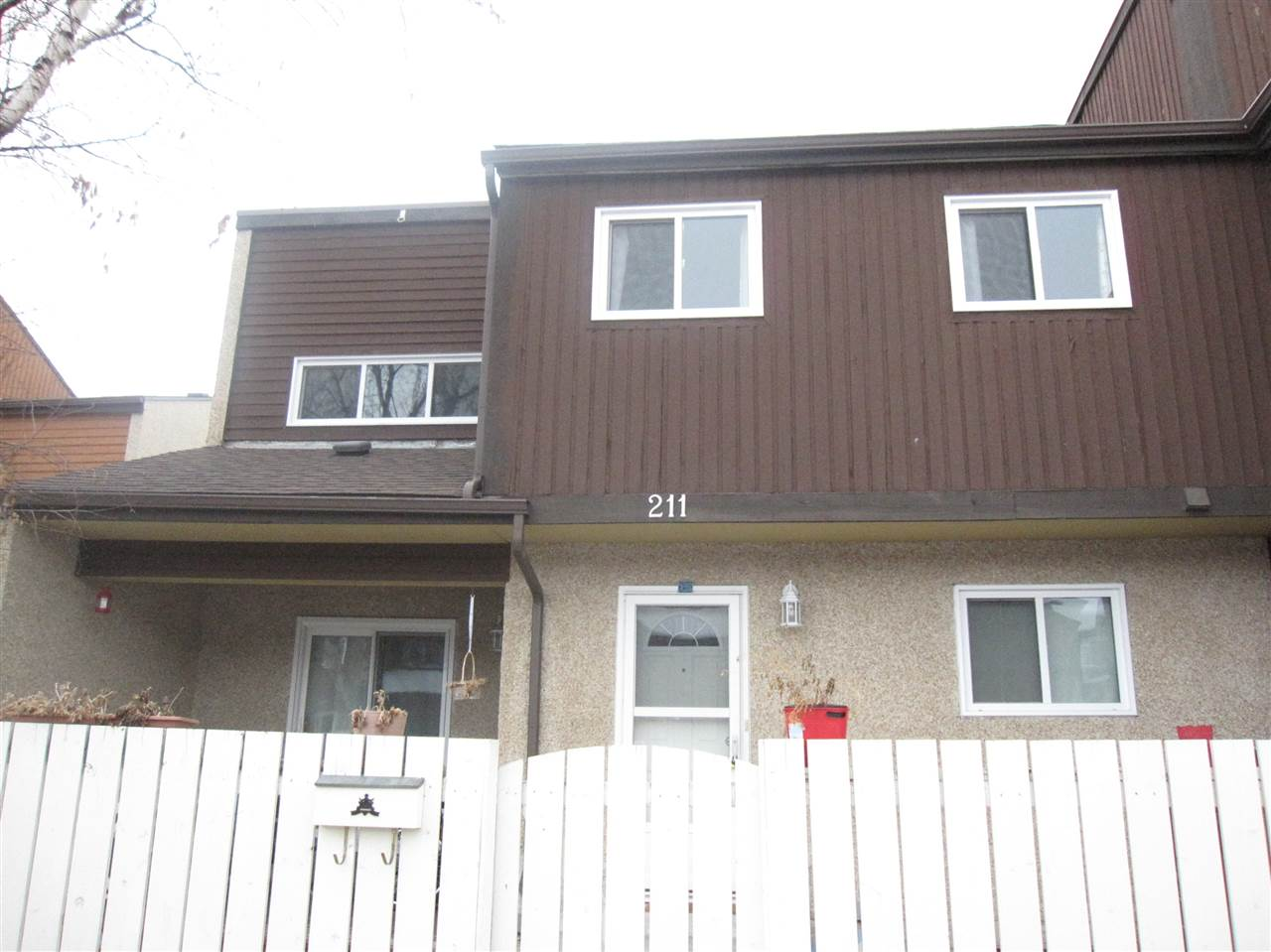 211 KASKITAYO Crest, 3 bed, 2 bath, at $205,000