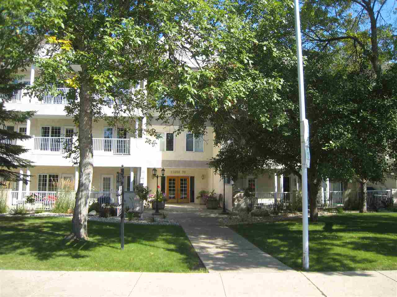102 11650 79 Avenue, 2 bed, 2 bath, at $444,900