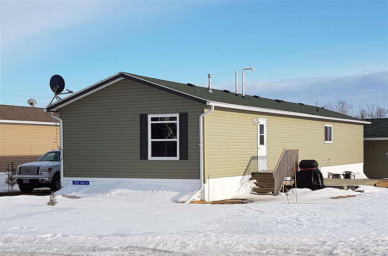 5112-51 Ave, 3 bed, 2 bath, at $199,900