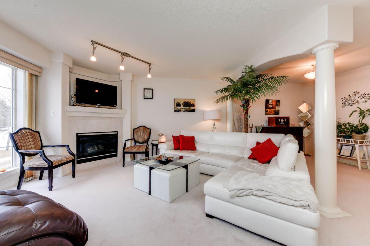 54 2419 133 Avenue, 3 bed, 4 bath, at $289,900