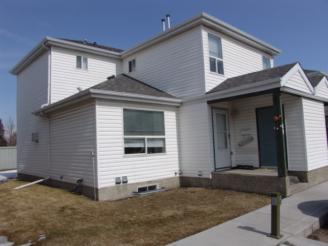 69 603 YOUVILLE Drive NW, 2 bed, 2 bath, at $239,988