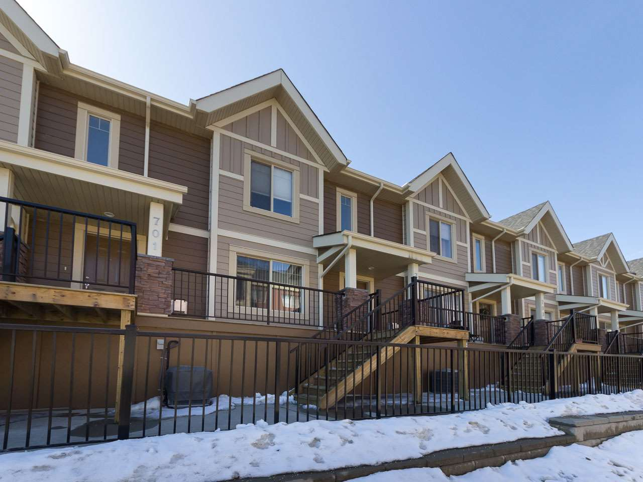702 401 Palisades Way, 2 bed, 4 bath, at $369,000