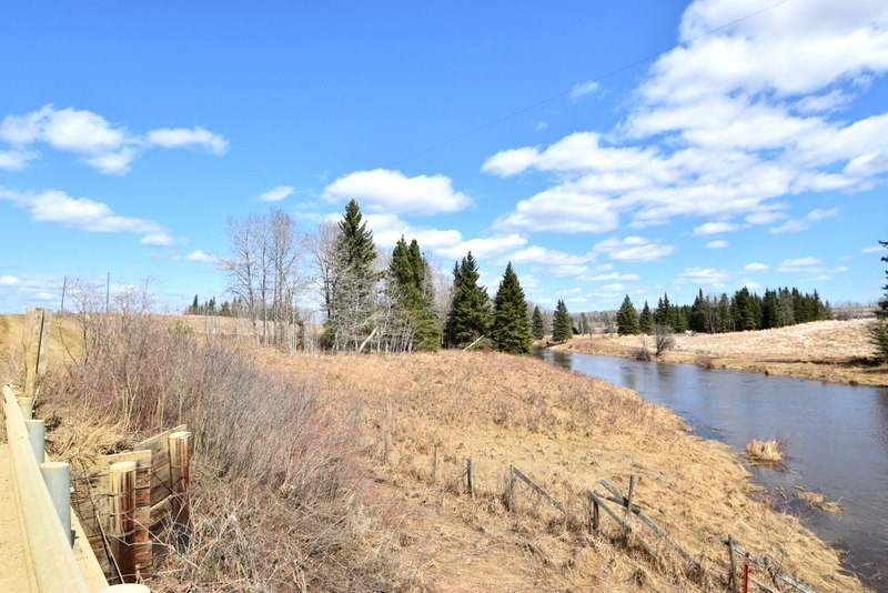5 Forest Way, Wild Rose Estates (Breynat), at $49,900