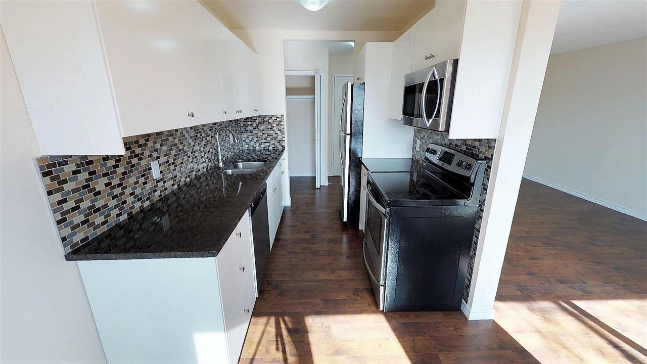 44 11245 31 Avenue, 3 bed, 2 bath, at $139,900
