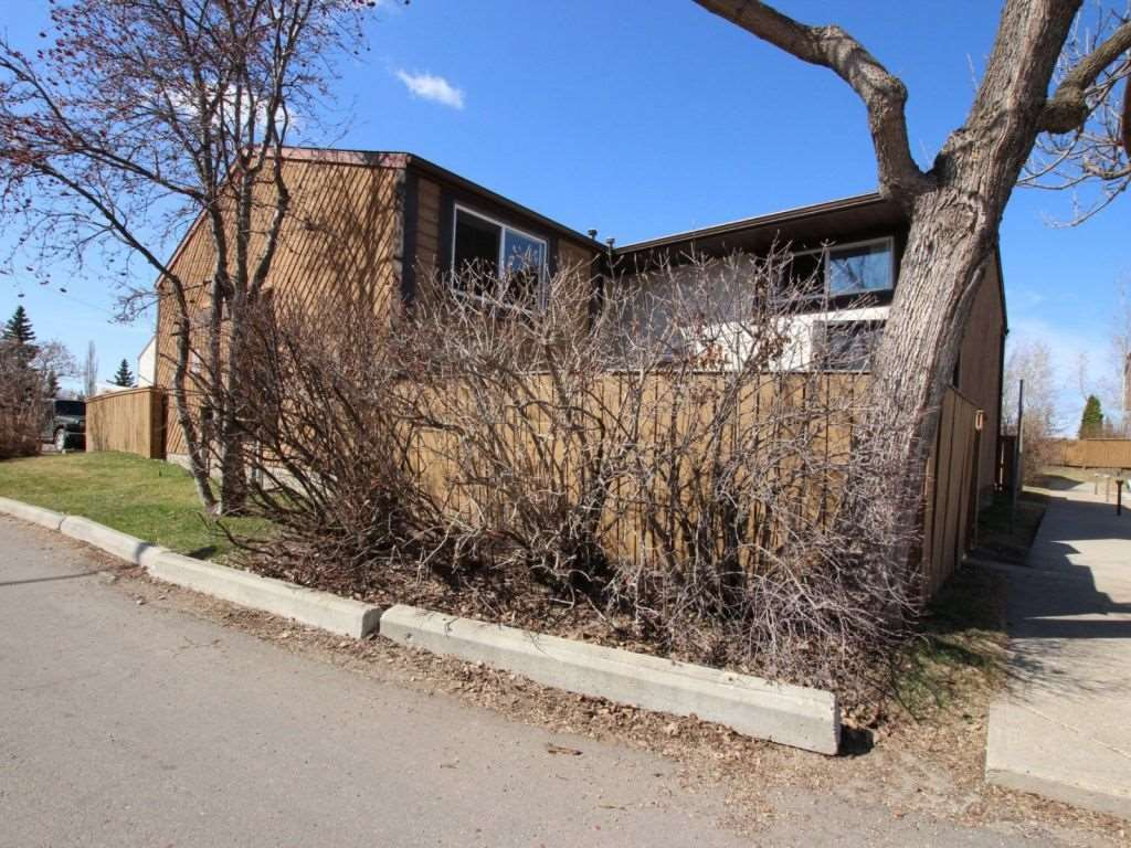 427 Willow Court, 3 bed, 2 bath, at $159,900