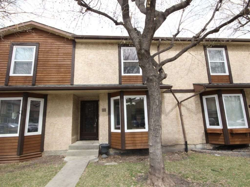 24 10205 158 Avenue, 3 bed, 2 bath, at $221,900