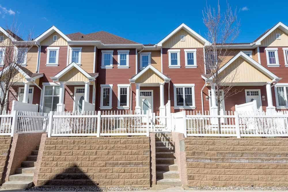 14 1623 TOWNE CENTRE Boulevard, 3 bed, 2.1 bath, at $278,800