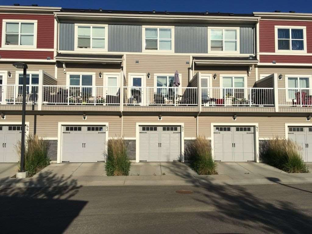 42 3710 Allan Drive, 2 bed, 3 bath, at $286,900
