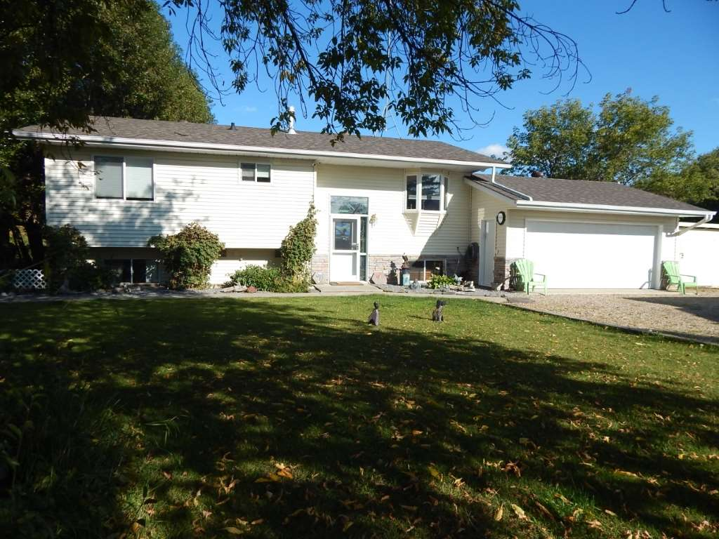 1, 61076 Twp Rd 462A, 4 bed, 3 bath, at $495,000