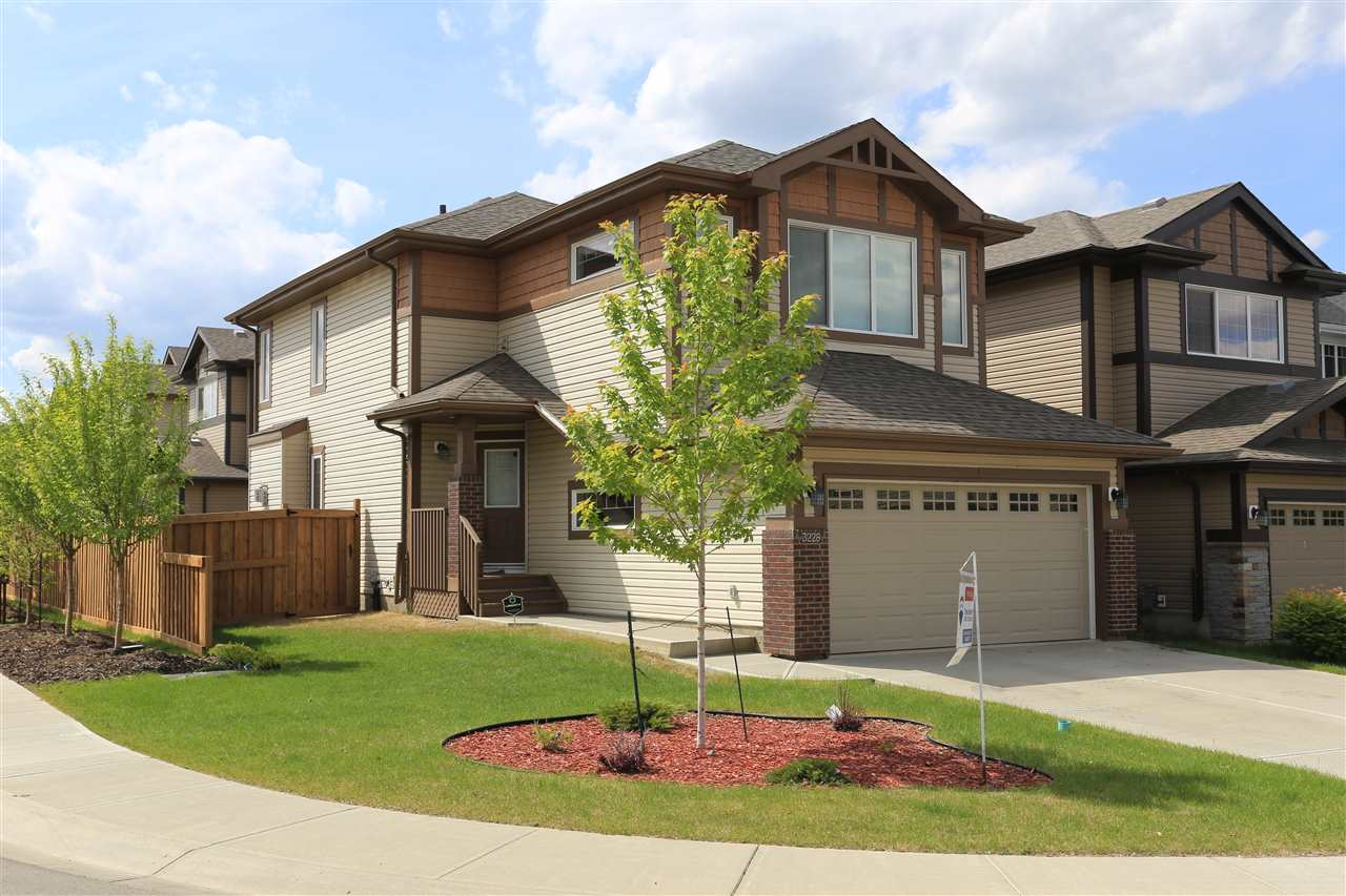 3228 ABBOTT Crescent, 3 bed, 3 bath, at $469,900