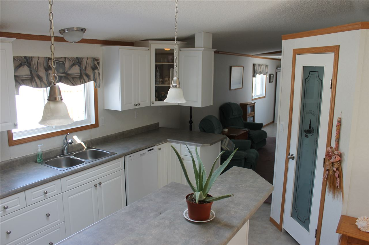78 4819 51 Avenue, 3 bed, 2 bath, at $99,400