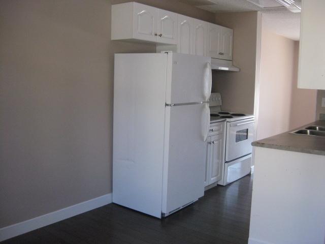 195 11421 34 Street, 3 bed, 2 bath, at $134,900