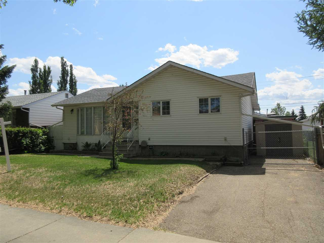 15861 109 Avenue NW, 3 bed, 2 bath, at $414,900