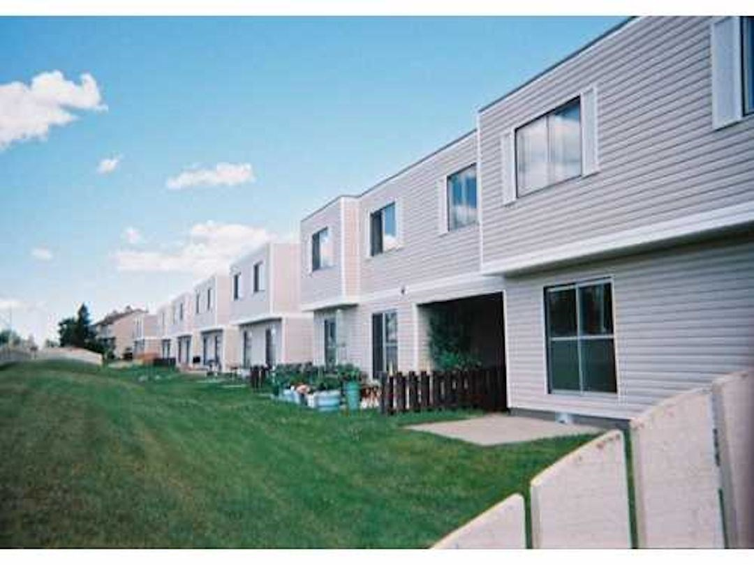 243 3307 116 a Avenue, 2 bed, 2 bath, at $113,900