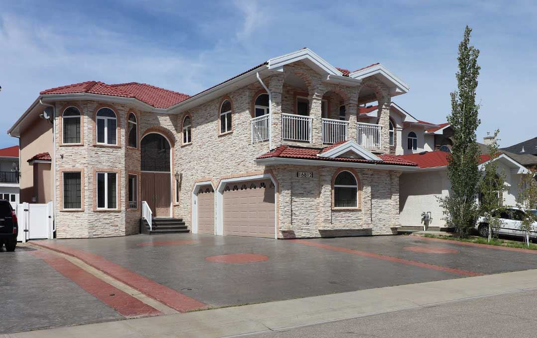16812 73 Street, 6 bed, 7 bath, at $898,800