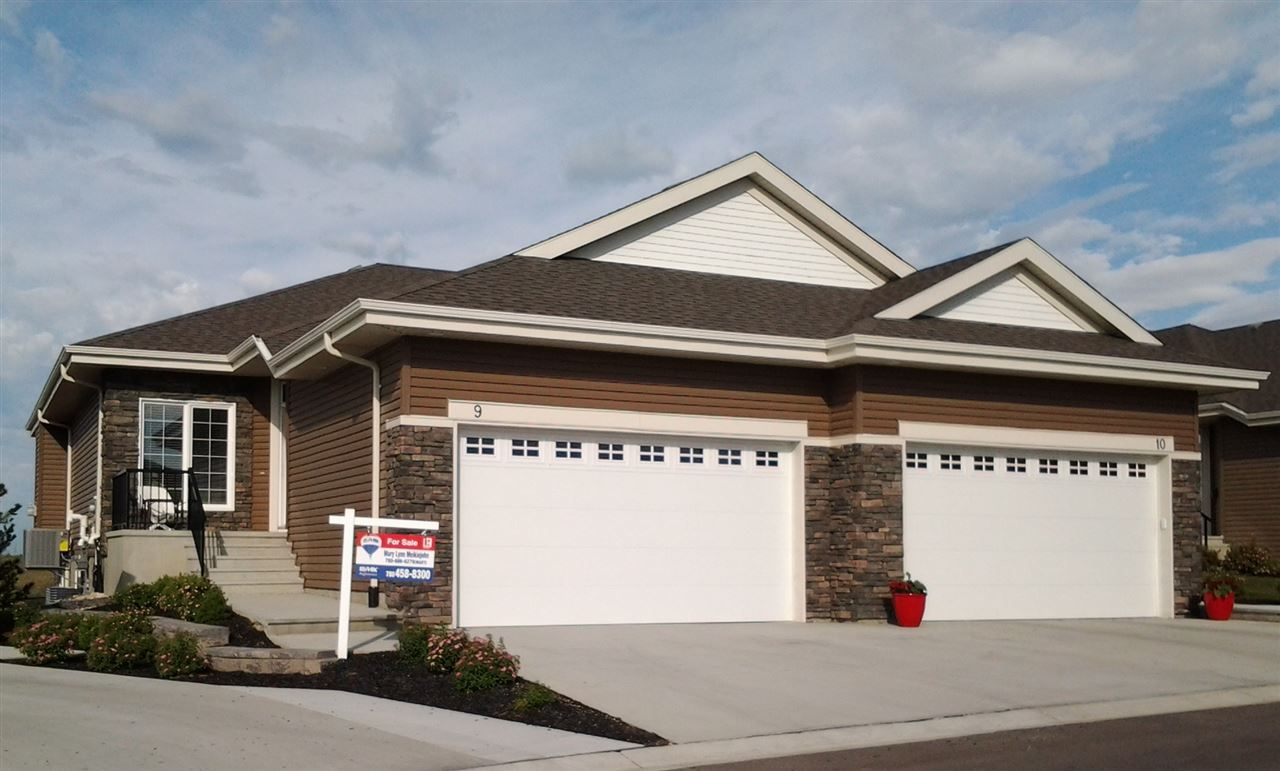 9 8 Lynx Close, 2 bed, 2.1 bath, at $579,900
