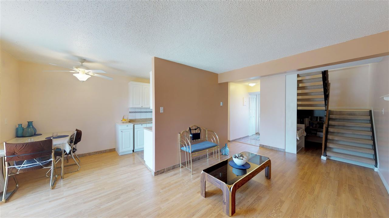 8A MEADOWLARK Village NW, 2 bed, 2 bath, at $174,900