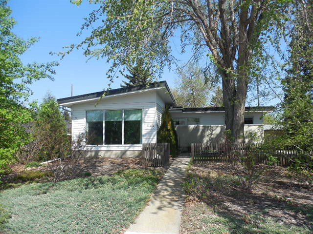 14424 86 Avenue NW, 3 bed, 2 bath, at $539,900