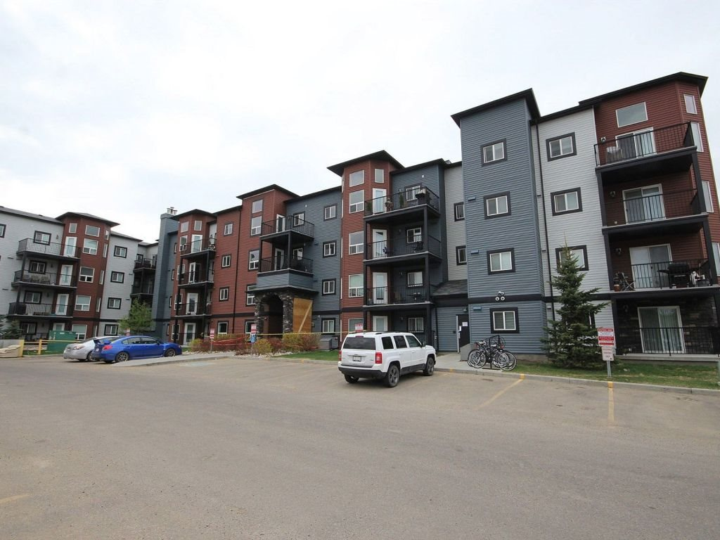 314 400 Silver Berry Road, 1 bed, 1 bath, at $169,900