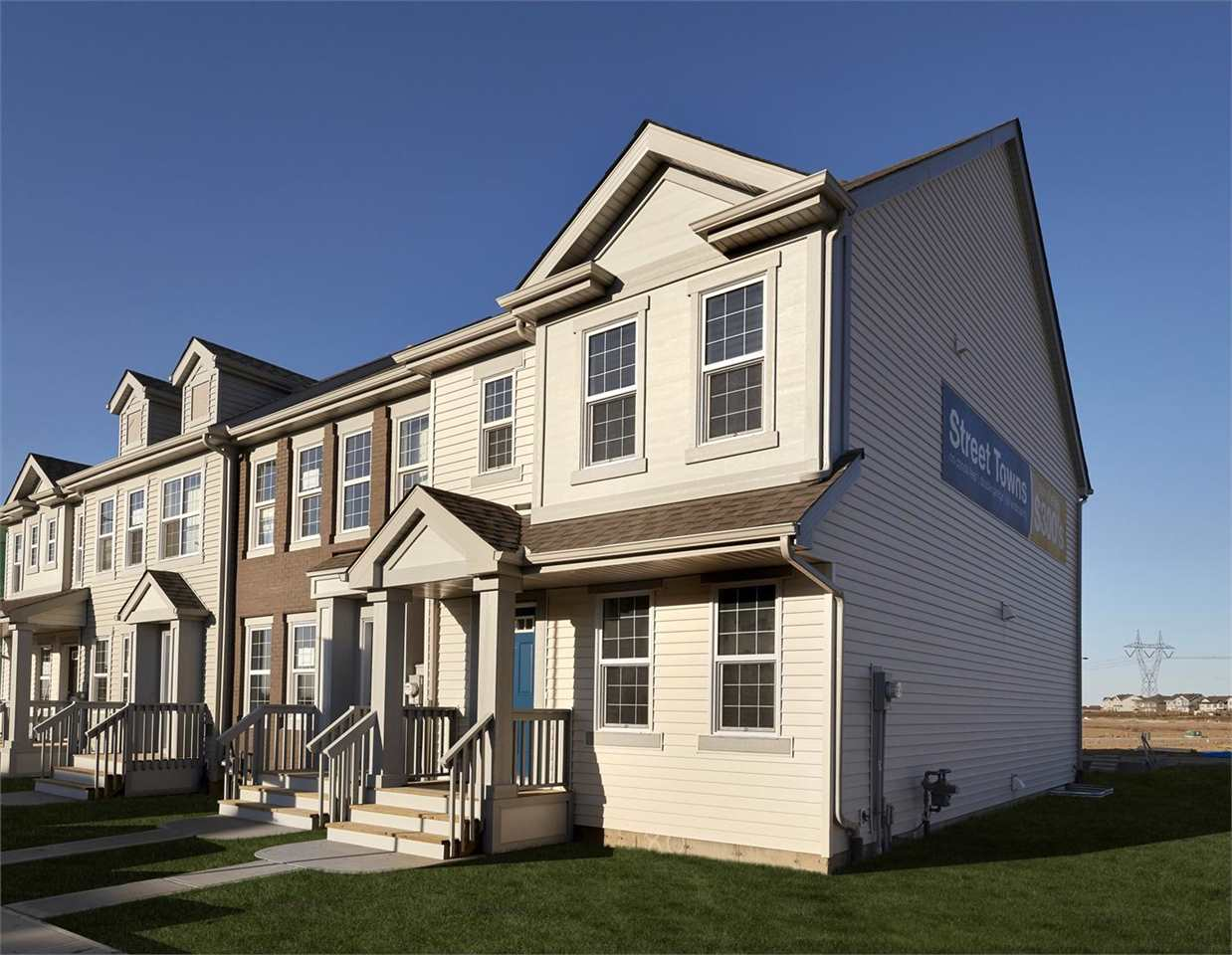 4323 PROWSE Link, 3 bed, 3 bath, at $305,999