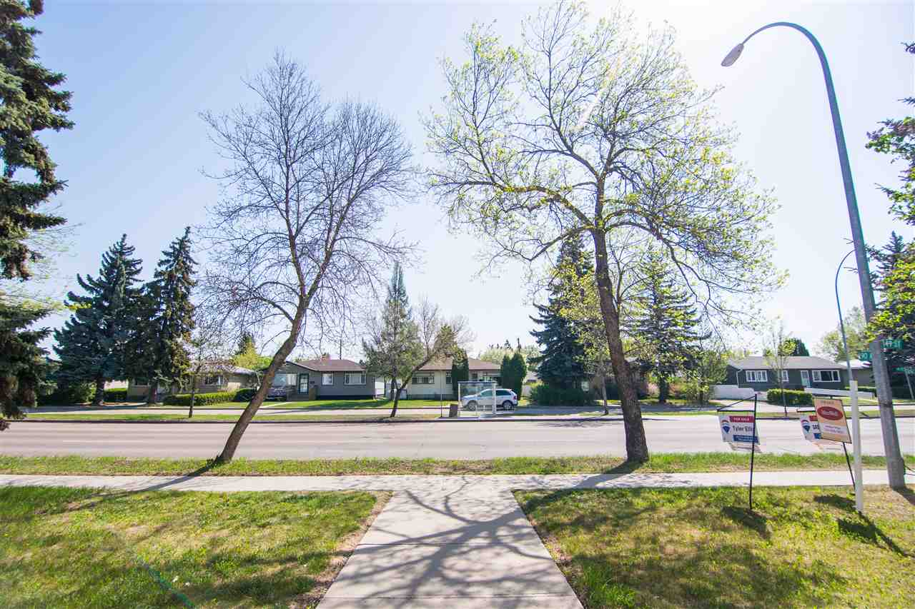 #204 9006 149 Street, 2 bed, 1 bath, at $101,900