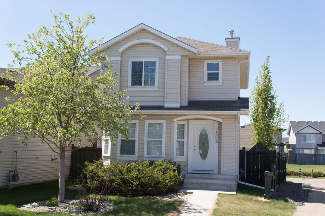 1462 Grant Way, 2 bed, 2 bath, at $354,900