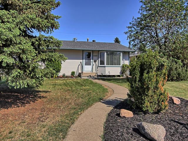 12819 135 Street, 3 bed, 2 bath, at $348,500
