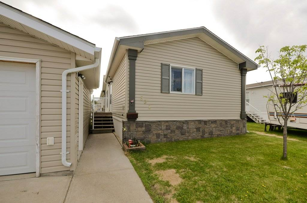 532 Maplewood Crescent, 3 bed, 2 bath, at $169,900