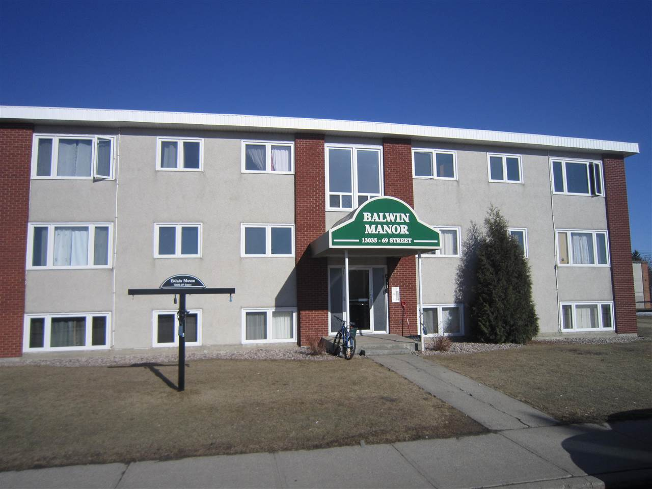 102, 13035 69 Street, 2 bed, 1 bath, at $89,888