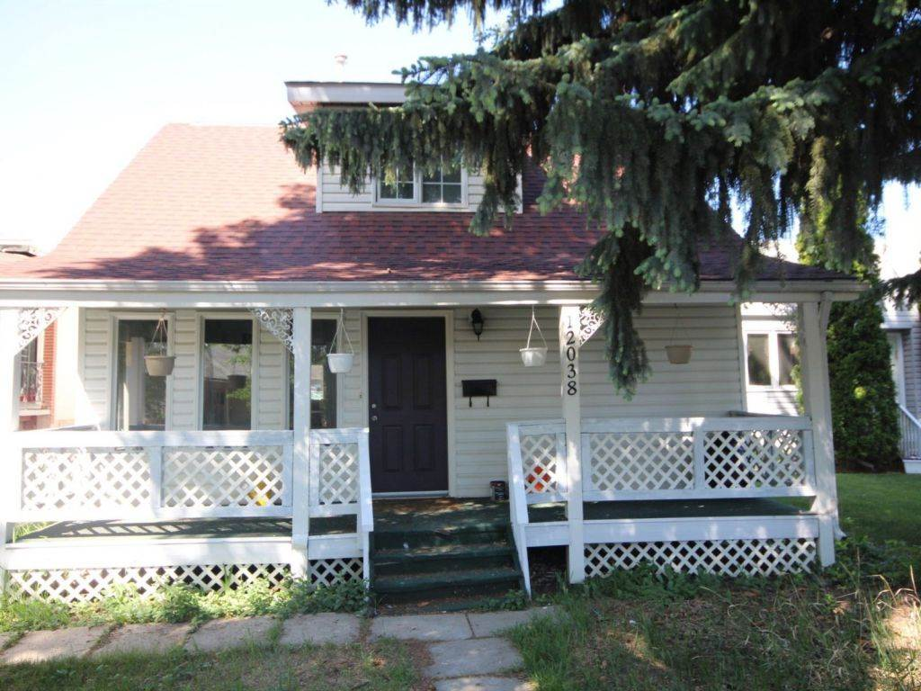 12038 94 Street, 3 bed, 2 bath, at $234,000