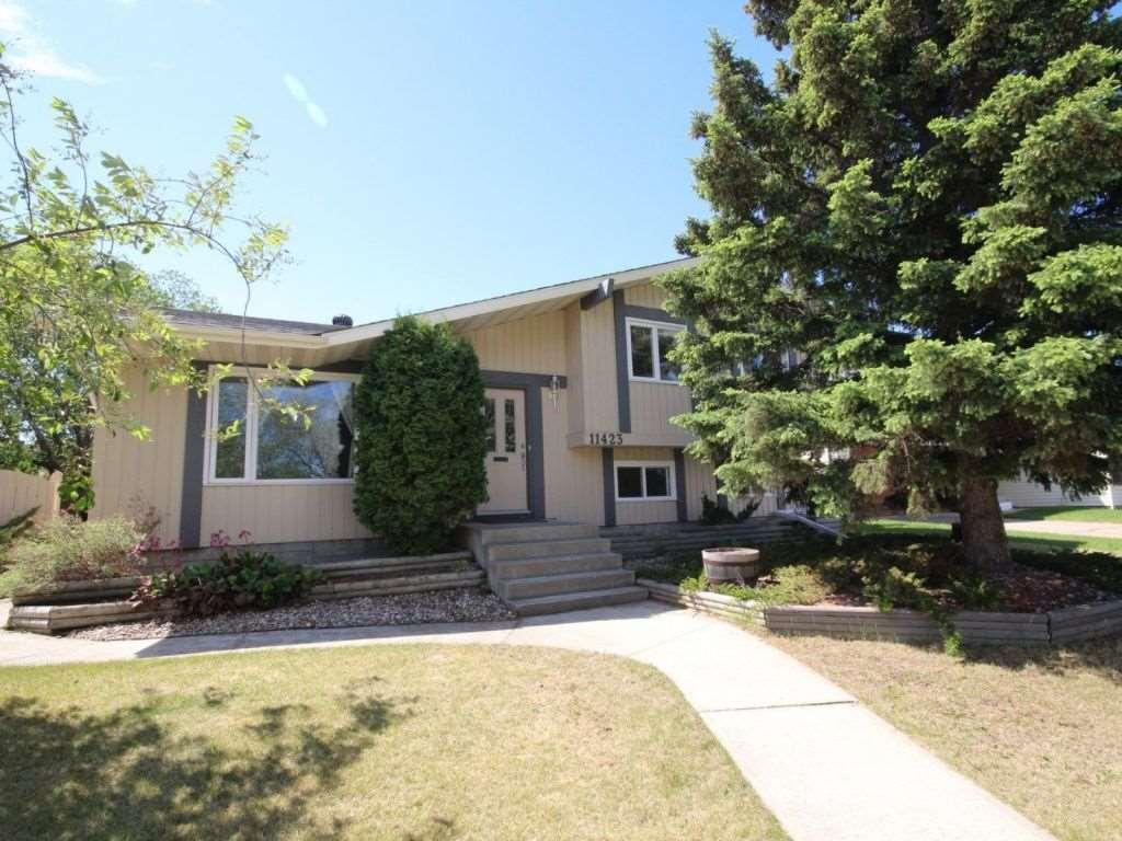 Property, 5 bed, 3 bath, at $424,500