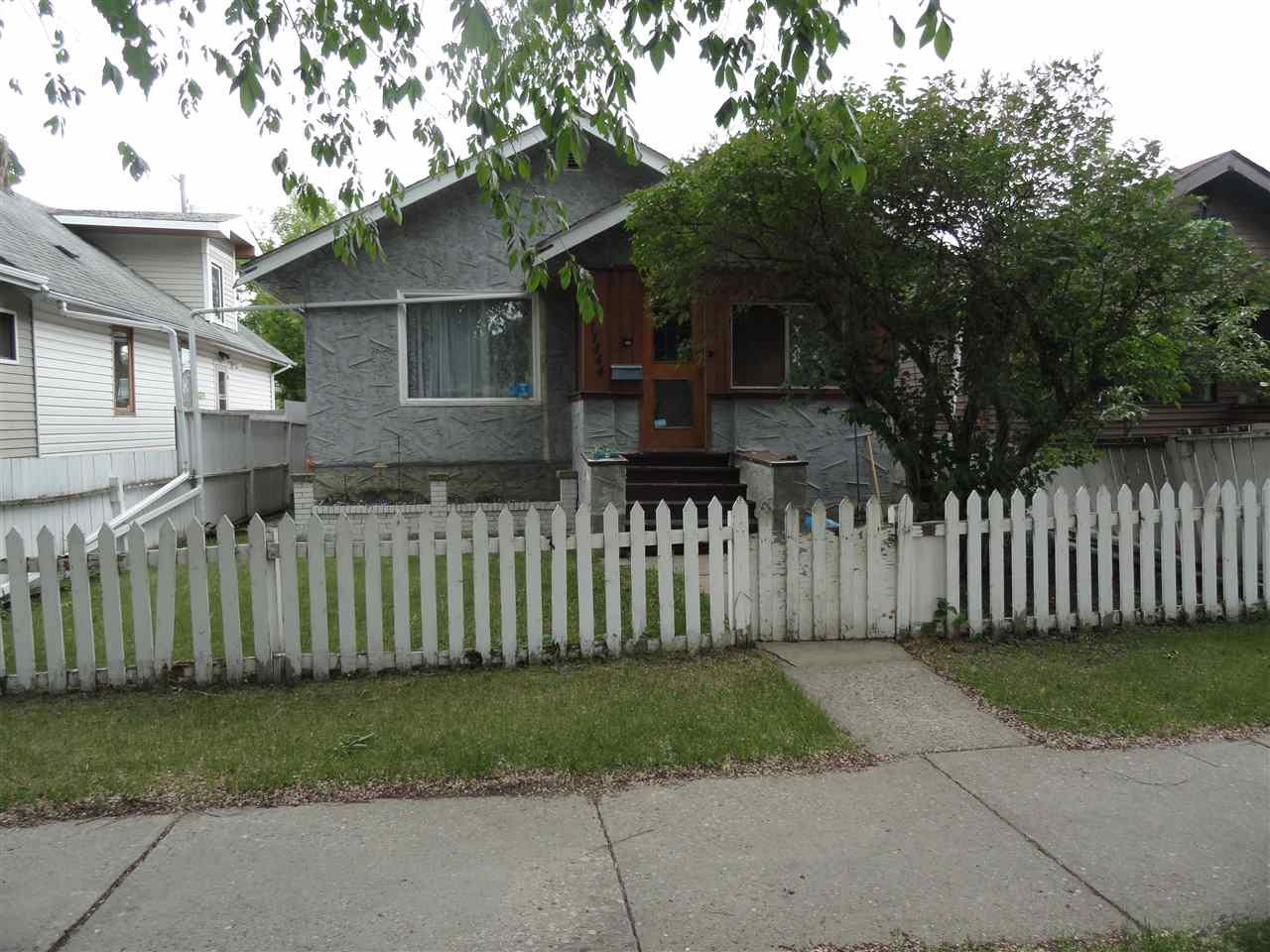 11444 95A Street, 3 bed, 2 bath, at $179,900