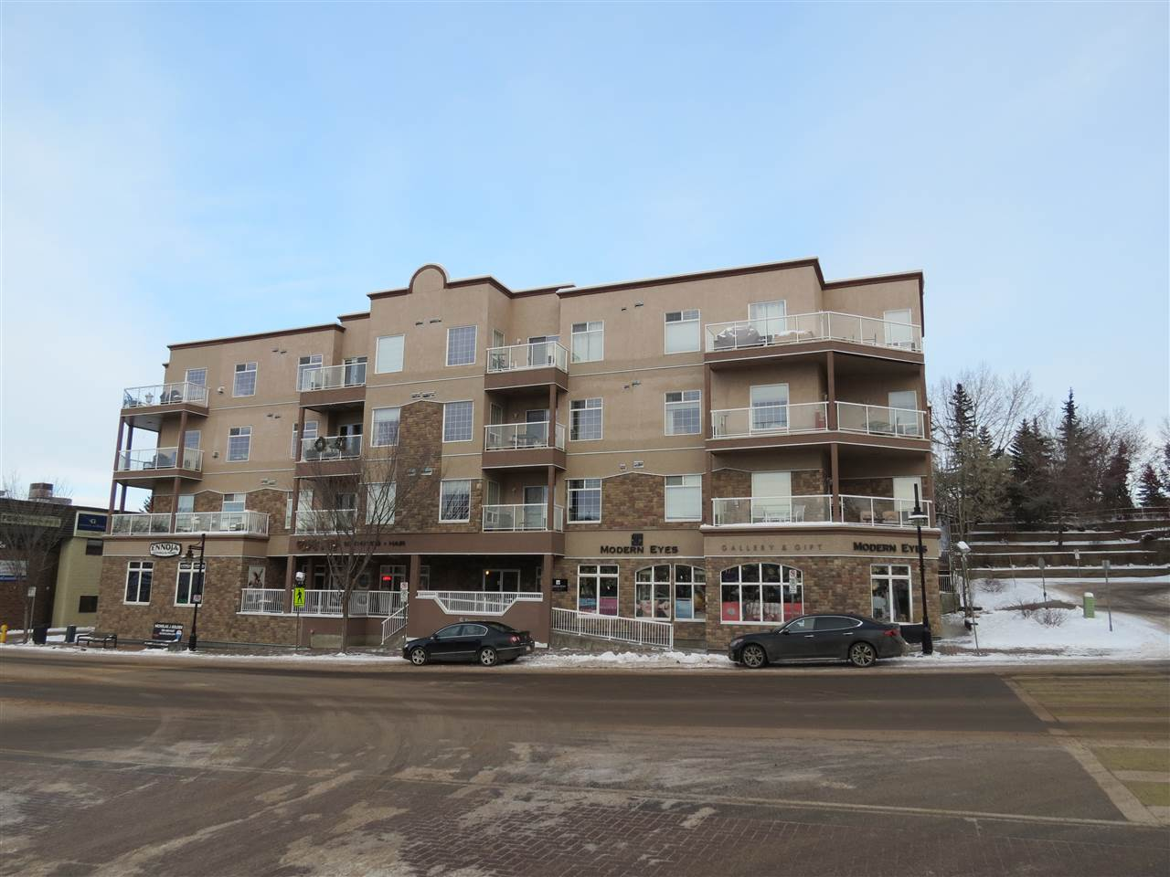 406 5 PERRON Street, 2 bed, 2 bath, at $299,900