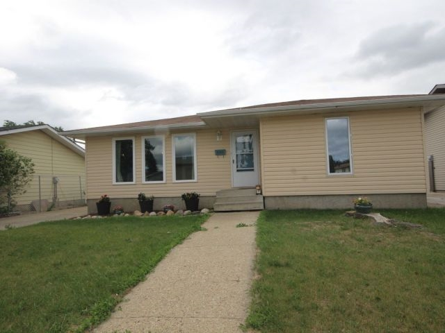 4143 135 Avenue, 3 bed, 2 bath, at $345,000